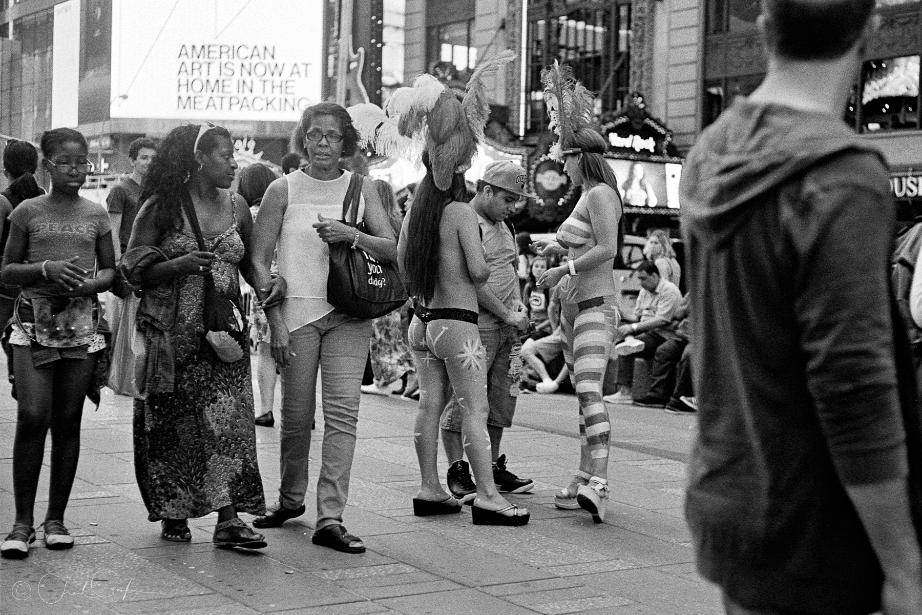 Desnudas Working in Times Square by Chad Gayle (Image)