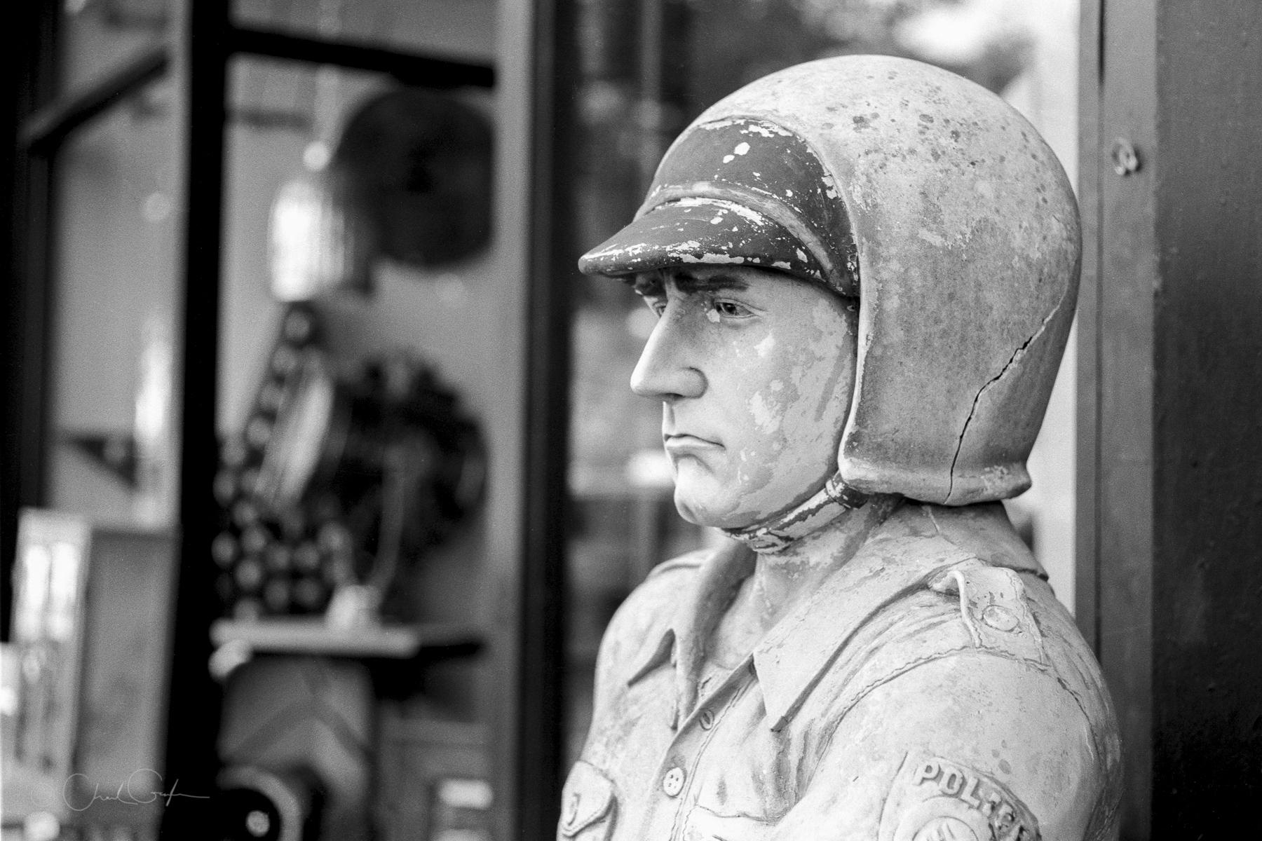 Sad Policeman Statue by Chad Gayle (Image)