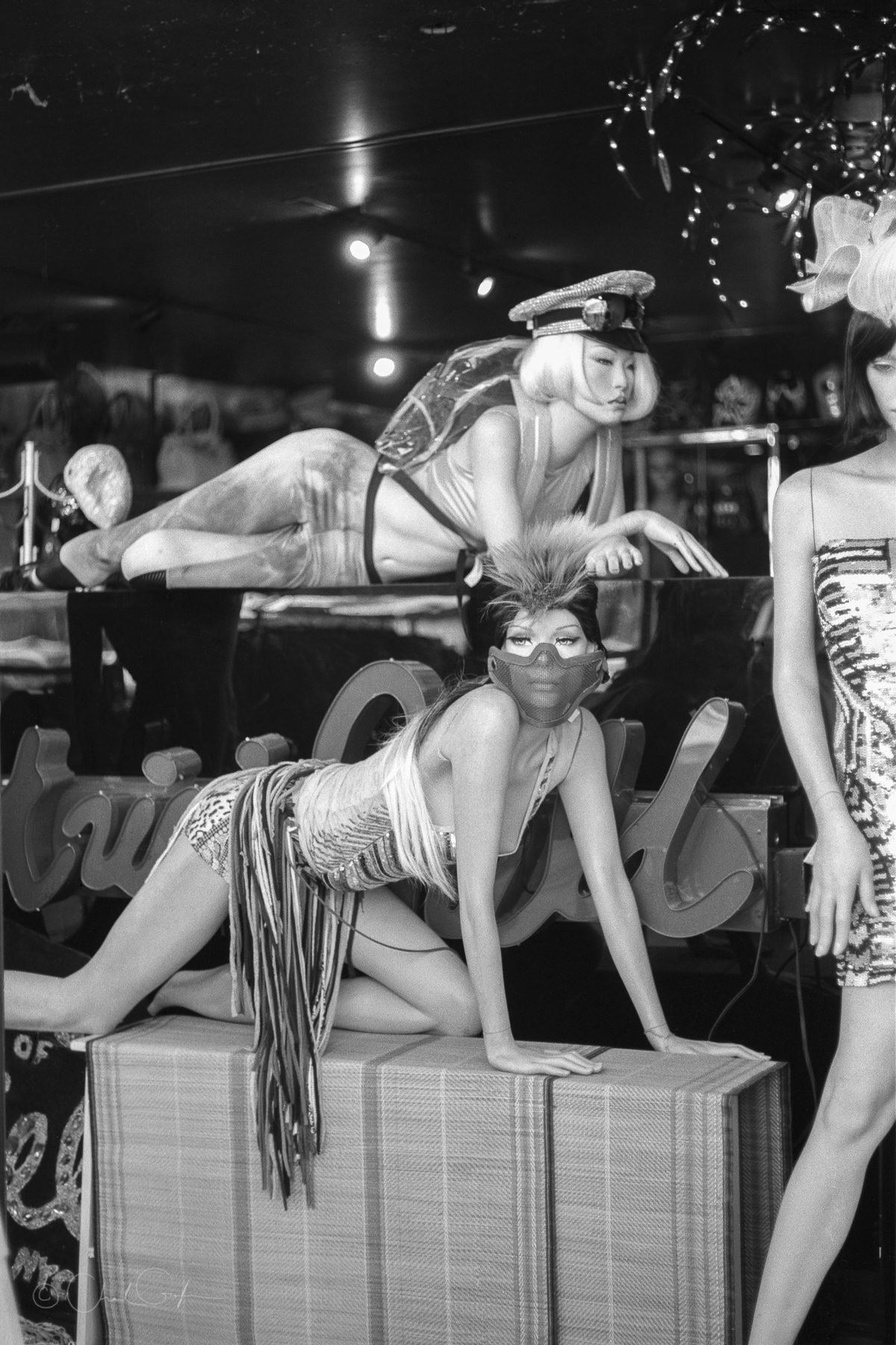 Two Sexy Mannequins by Chad Gayle (Image)